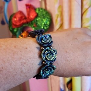 Beautiful stretchy bracelet